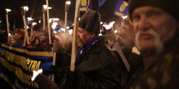 День народження Бандери вУкраїні відзначили факельними маршами