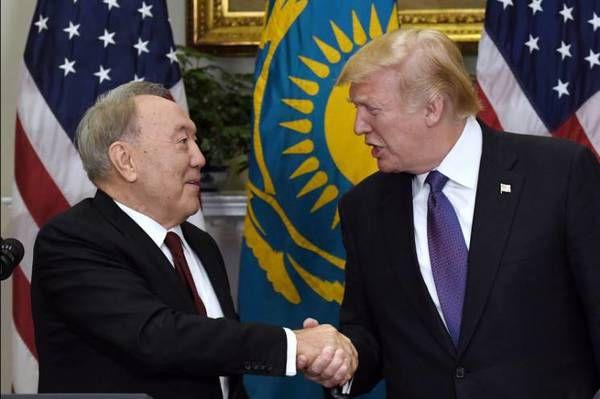 Трамп пропонував перенести з Мінська переговори поДонбасу— президент Казахстану