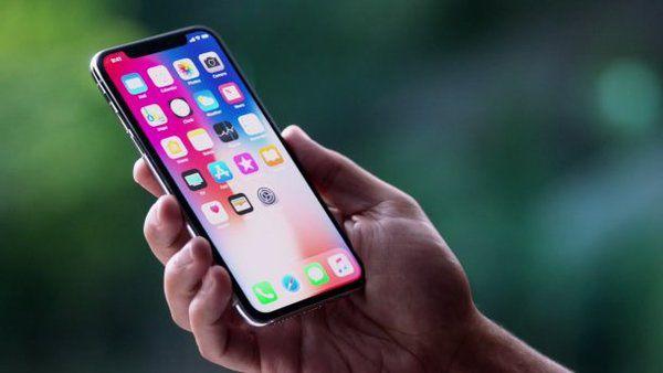 Apple вдвічі скоротить виробництво iPhone X