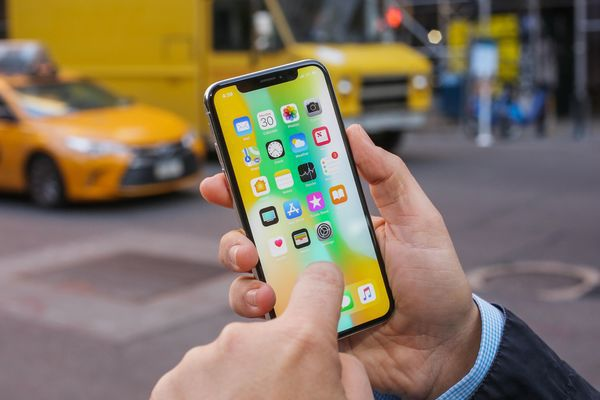Apple скоротить вдва рази виробництво iPhone Xчерез низькі продажі