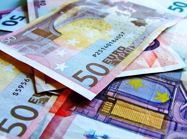 Курс валют на27 лютого— долар і євро продовжують рости в ціні