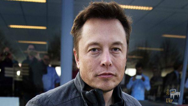 Ілон Маск пожартував про банкрутство Tesla начесть 1 квітня