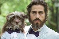 Хлопець і його собака носять однаковий одяг, тепер їх важко відрізнити один від одного (Фото)