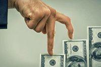 Долар активно дорожчає і не зупиниться — завтра курс знову виросте
