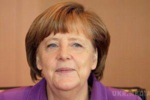 Меркель: Безвізовий режим для України з ЄС поки що неможливий. Зусиль України все ще недостатньо для пом&#039якшення візового режиму.