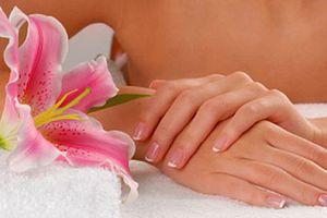 Корисні поради, як захистити руки від старіння. Дуже важливо доглядати за шкірою рук правильно, дотримуючись запропонованих рекомендацій. Ваші руки будуть радувати своїм прекрасним видом.
