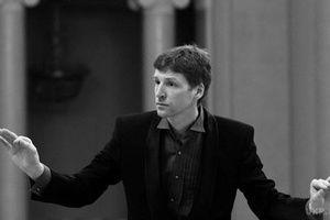 У Росії знайшли мертвим відомого диригента. Петербурзький диригент Святослав Лютер був знайдений мертвим у своїй квартирі.