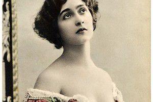 Як прикарпатські жінки збільшували груди 100 років тому. На початку минулого століття станиславівські пані полюбляли модні сукні з глибокими декольте.