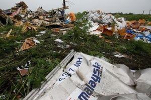 Звіт по MH17: головні факти і думки експертів. Міжнародна слідча група в Гаазі вчора оприлюднила попередні результати розслідування катастрофи літака Boeing 777, що виконував рейс МН-17 з Амстердама в Куала-Лумпур і збитого 17 липня 2014 року в небі над окупованими районами Донецької області.