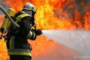 Пожежа в школі Києва: евакуйовано 600 дітей. Займання сталося в Печерському районі столиці.