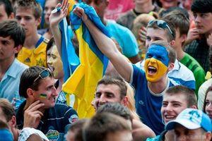 ФФУ просить фанатів вести себе гідно під час матчів збірної України в Одесі та Харкові. ФФУ на своєму сайті опублікувало звернення до вболівальників, в якому просить відвідувачів матчів у Харкові та Одесі не влаштовувати безладдя.