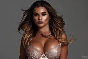 """Відома 22-річна модель Анастасія Квітко показала відверті фото в стилі """"НЮ"""". Анастасія Квітко, яку називають """"російською Кім Кардашян"""", поділилася з підписниками в соціальній мережі новими відвертими знімками,"""