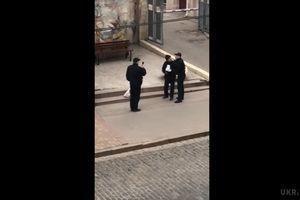 Поліція прокоментувала інцидент з безпритульним у Харкові (відео). В управлінні патрульної поліції розповіли свою версію події.