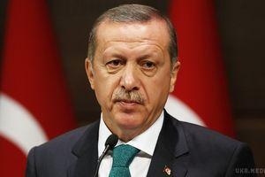 Ердоган хоче негайно вирішити питання з введенням смертної кари. Глава Туреччини зазначив, що має намір негайно обговорити питання про повернення до конституції страти.