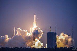 """В мережі опубліковано відео невдалого запуску китайської ракети """"Чанчжен-5"""". У мережі з&#039явилося відео запуску китайської ракети-носія """"Великий похід-5"""", яке пройшло невдало."""