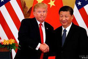 Китай і США підписали угоди на $ 250 млрд в ході візиту Трампа. Американські компанії - від Qualcomm до Boeing - підписали ряд угод з китайськими колегами і конкурентами в ході візиту президента США Дональда Трампа в Пекін.