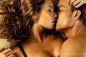 7 секретів інтимного життя. У кожної людини є своє ставлення до сексу. Деякі вважають, що починати статеве життя потрібно з людиною, після вступу в шлюб, для інших інтим — це спосіб зав'язати відносини, ще хтось просто займається сексом, виключно, заради задоволення.