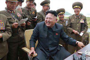 """КНДР попередила США про загрозу початку ядерної війни. Північна Корея заявила про те, що спільні навчання США і Республіки Корея є """"явною і всебічною провокацію"""", яка може привести до ядерної війни."""