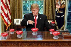 Трамп помірявся ядерними кнопками з Кім Чен Ином. Президент США Дональд Трамп відповів глави КНДР Кім Чен Ину. Він заявив, що його ядерна кнопка більше.