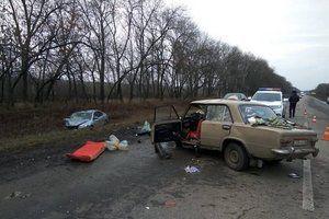 Страшна аварія під Харковом: з&#039явилося фото. В результаті ДТП загинула жінка.