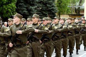 Президентом підписано закон про мотивацію служити в армії України. Порошенко підписав закон, що дозволяє підвищити мотивацію громадян до проходження військової служби.