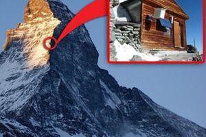 Реальний будиночок для екстремалів, побудований на горі на висоті 4 км над рівнем моря. Зате можна не боятися, що в будинок сховаються злодії.