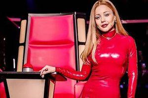 Для нового перформансу Тіни Кароль виготовили індивідуальний стілець (фото). Співачка готує новий перформанс.