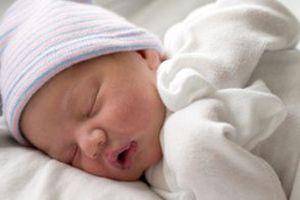 В Україні смертність майже в два рази перевищила народжуваність. В Україні кількість померлих перевищує кількість народжених: на 100 померлих - 54 народжених, за 4 місяці українців стало менше на 85,7 тис. осіб.